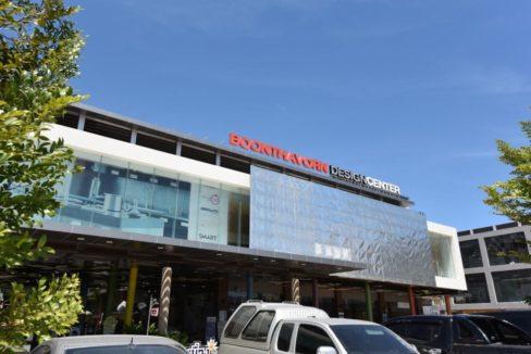 96 Boonthavorn Design Center