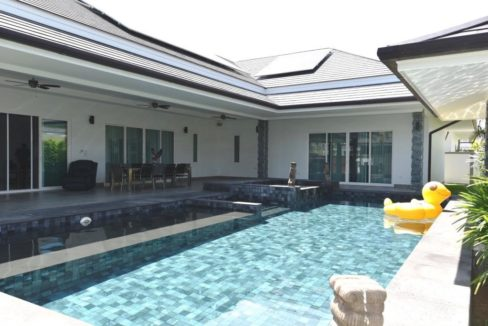 02 Brand new Luxury pool villa
