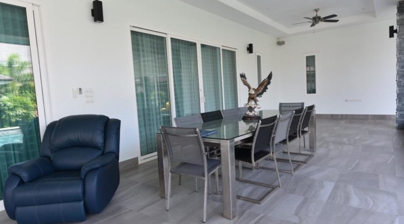04C Fully covered furnished patio