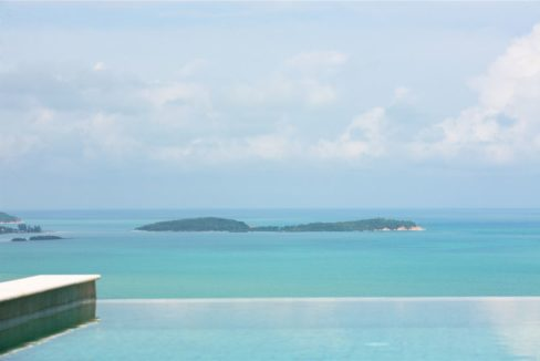 07 Infinity swimming pool with seaview