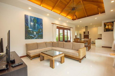 10 Spacious living dining room 2