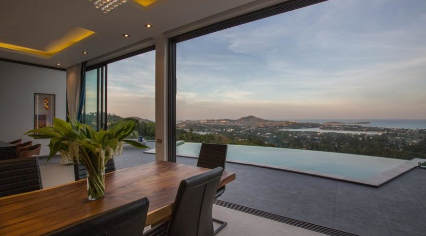 21 Seaview from living room
