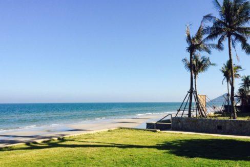 91 Direct beach access