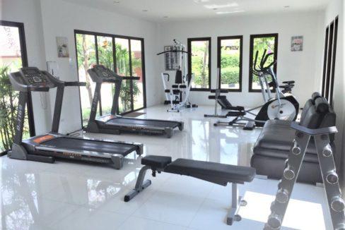 01 HHH56 Fitness room