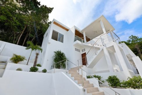 01 Spectacular seaview villa Munii