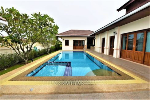 02 4x10 meter swimming pool with jacuzzi