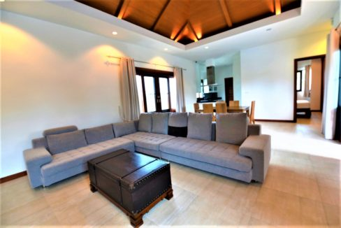 10 Spacious living dining room 1