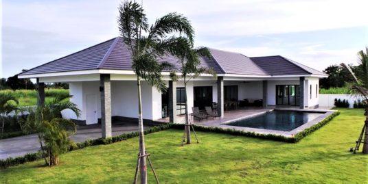 New 3-Bedroom Pool Villas in Hua Hin near Black Mountain