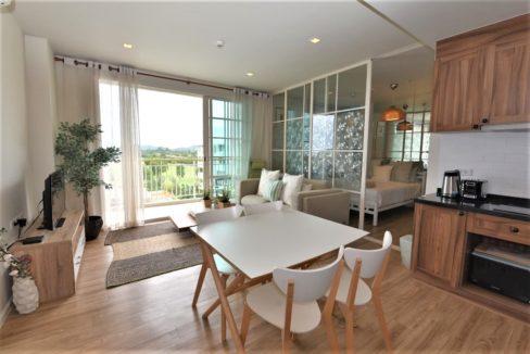 10 Living dining room