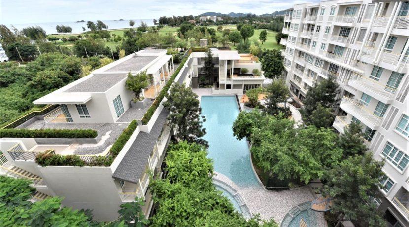 17 Balcony pool view