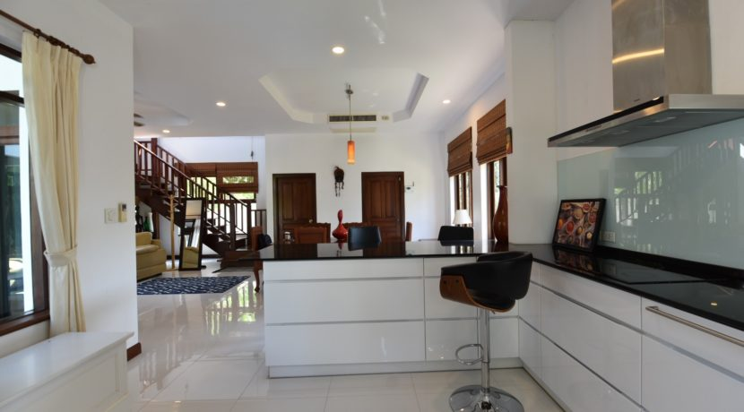 23 Fully fitted modern kitchen