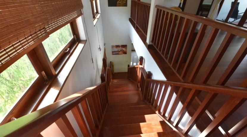 39 Stairway to 2nd floor