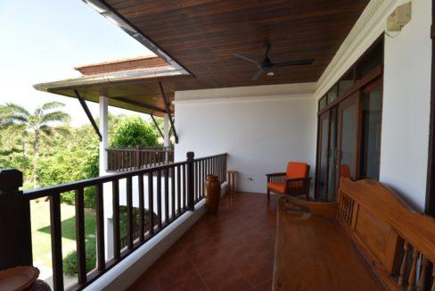 42 Large furnished balcony
