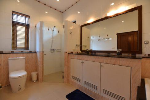 51 Ensuite bathroom 2
