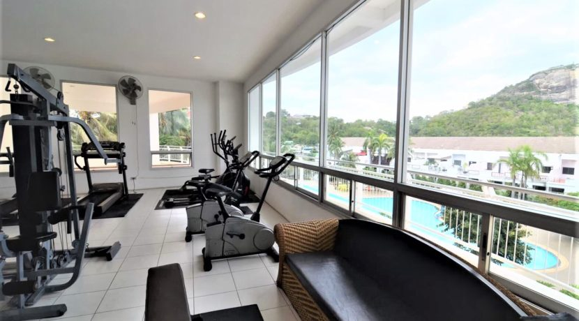 82 Communal fitness room