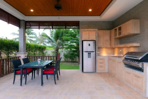 04 Dining sala with fully fitted BBQ Kitchen