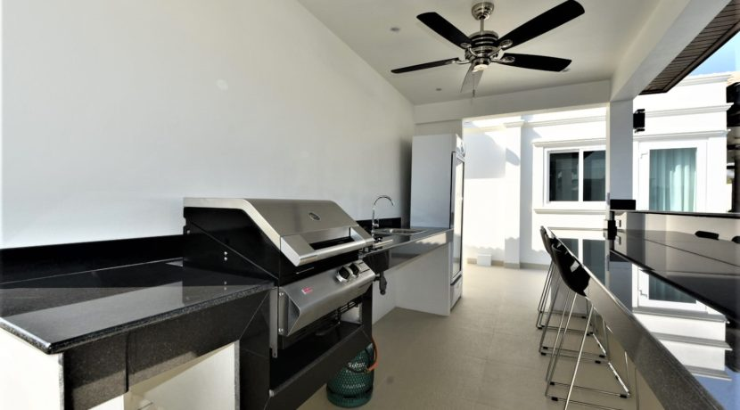 04B Fully fitted Thai BBQ facility