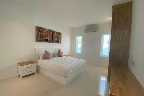 40 Large bedroom 2 3