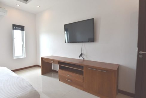 41 Bedroom 2 TV wall