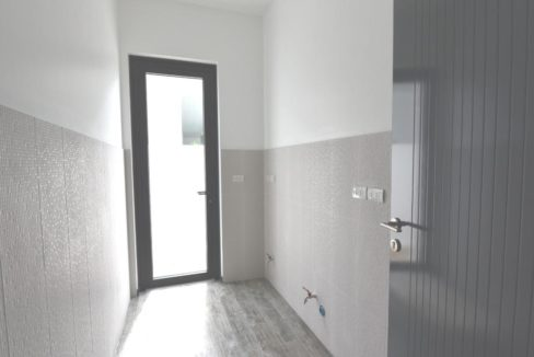 60 Internal laundry and utility room