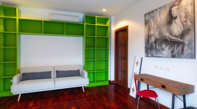 70 Office room