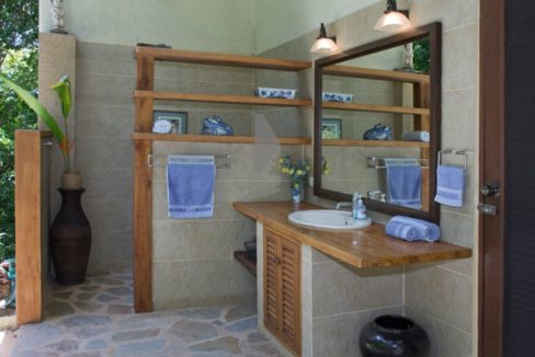 75 The Balinese garden bathroom in the guest house