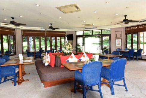 92 Palm Hills Golf Club restaurant