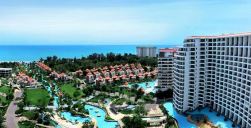 Beachfront Condo in Hua Hin with Stunning Sea View