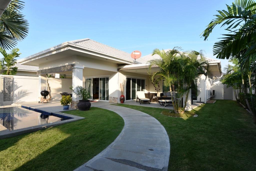 Nice Pool Villa in Hua Hin at The Lees II
