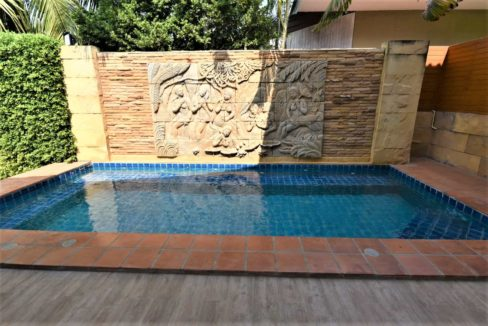 02B 15 Sqm waterfall jacuzzi
