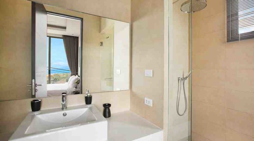 45 Ensuite bathroom 2