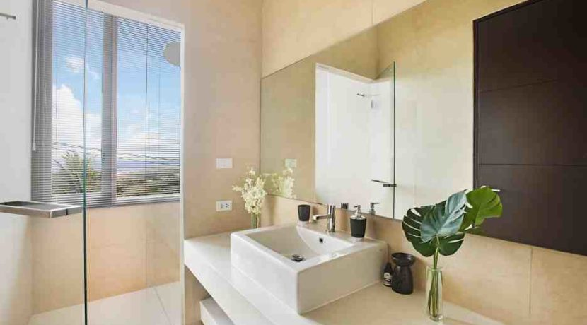 55 Ensuite bathroom 3