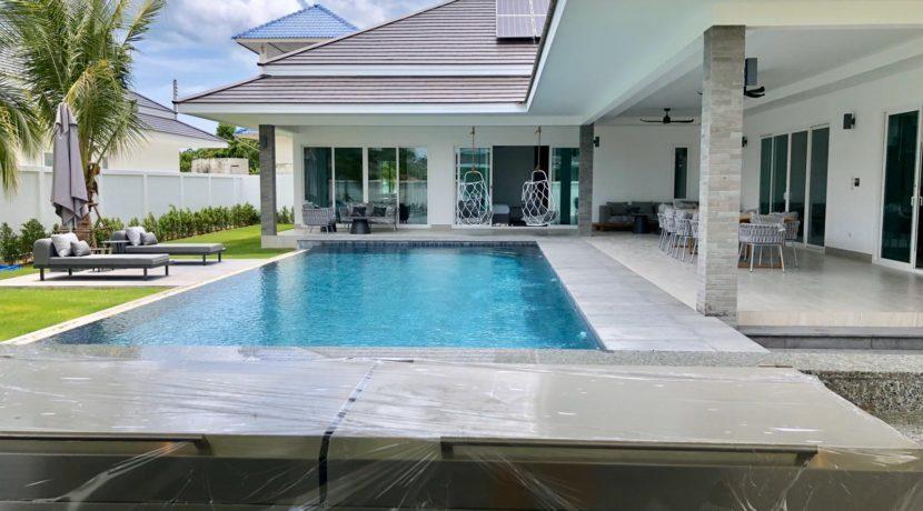 01 Luxury 4-Bedroom pool villa