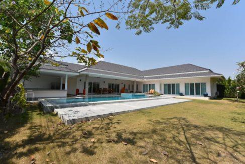01 Luxury 5 Bedroom pool villa 2