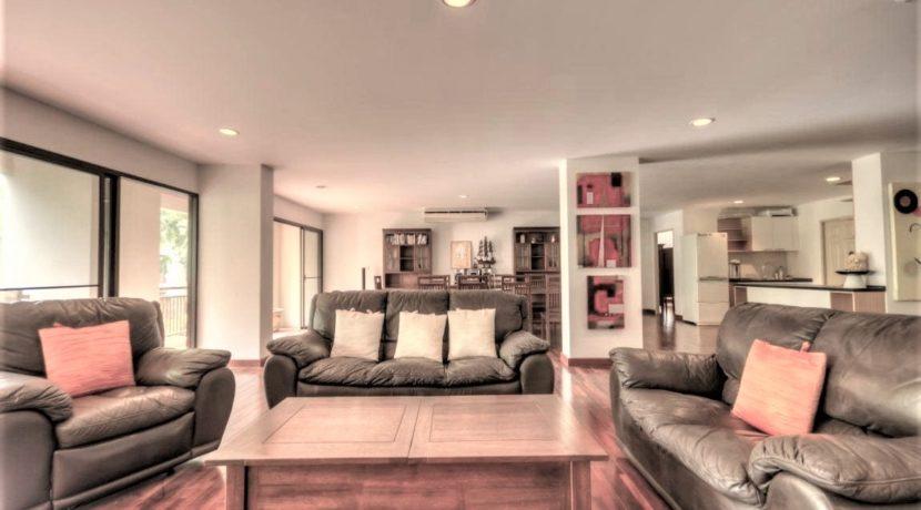 10 Spacious living-dining lounge