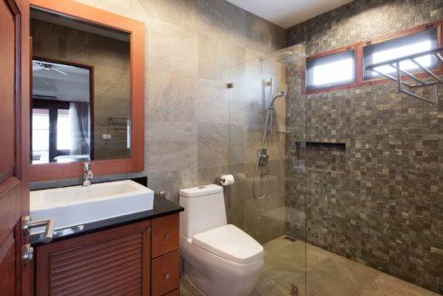 55 Bathroom 2 shared