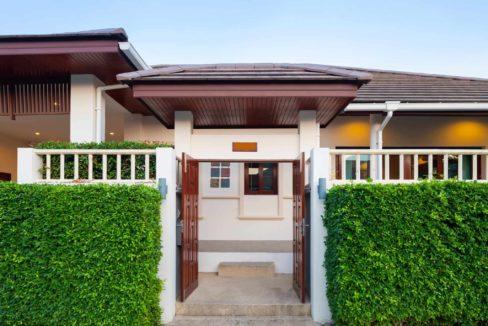 60 Villa entrance