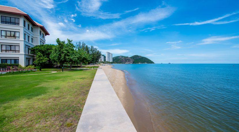91 Beachfront view northbound