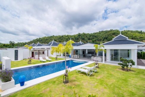 01 H-Shape luxury pool villa