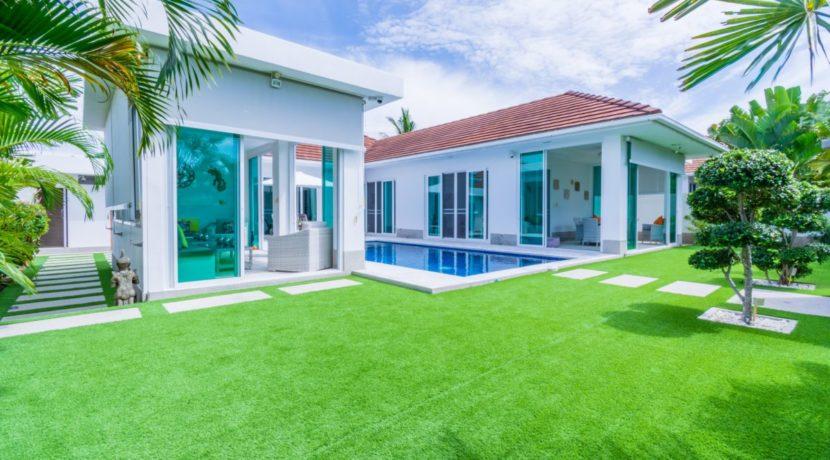 01 Whitestone Villa