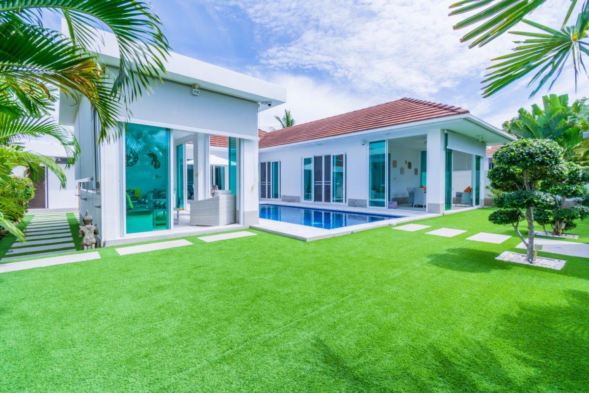 Modern Pool Villa in Hua Hin at Whitestone Villas