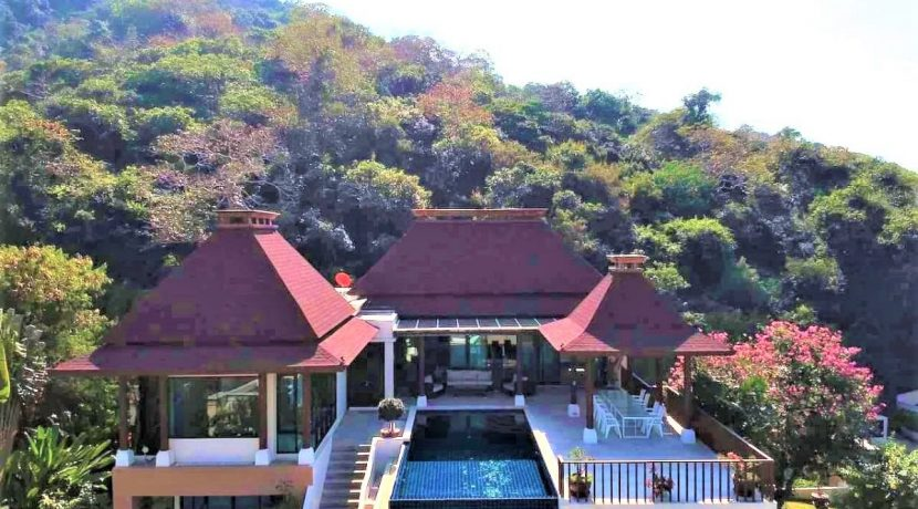 02B Exceptional sea view pool villa
