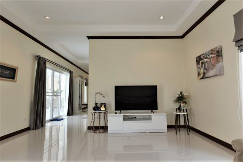 12 Living room area
