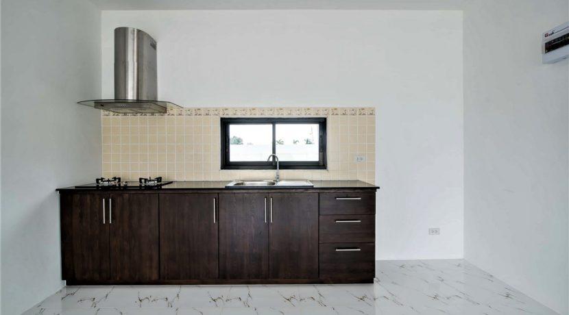 20 Kitchen area