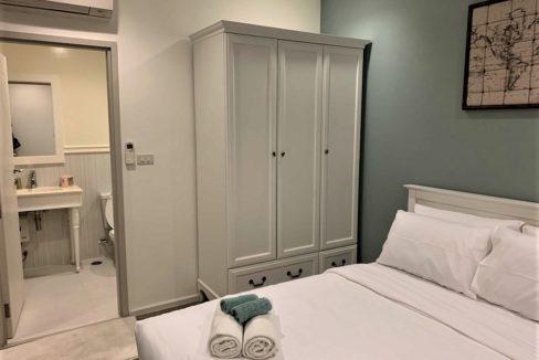 32 Bedroom