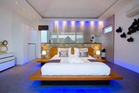 32 Spacious master bedroom-bathroom