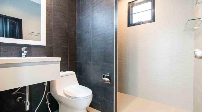 61 Bathroom #2 (2Bed House)