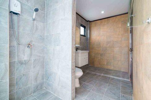 70 Bathroom #1 (3Bed house)
