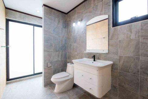 71 Bathroom #2 (3Bed house)