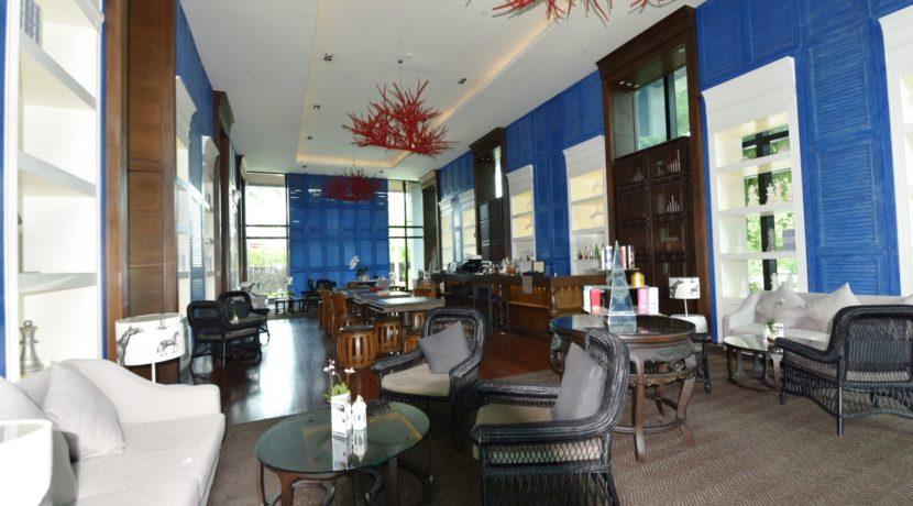 83 Amari Resort Lobby bar